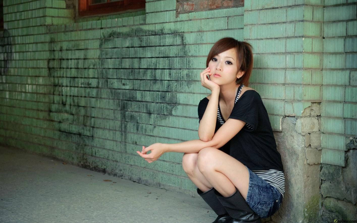 Фото японок на корточках