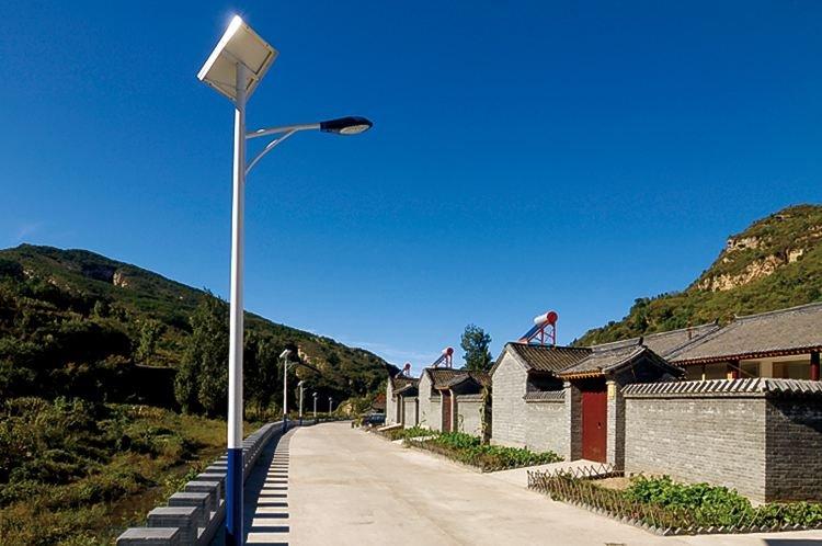 太阳能路灯满足现在农村经济发展的需求