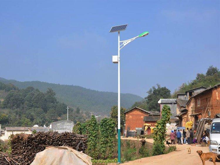 太阳能路灯灯杆怎么选?要求至少看3点!