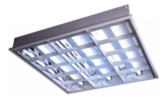 镜面铝格栅灯和有机板格栅灯有什么区别