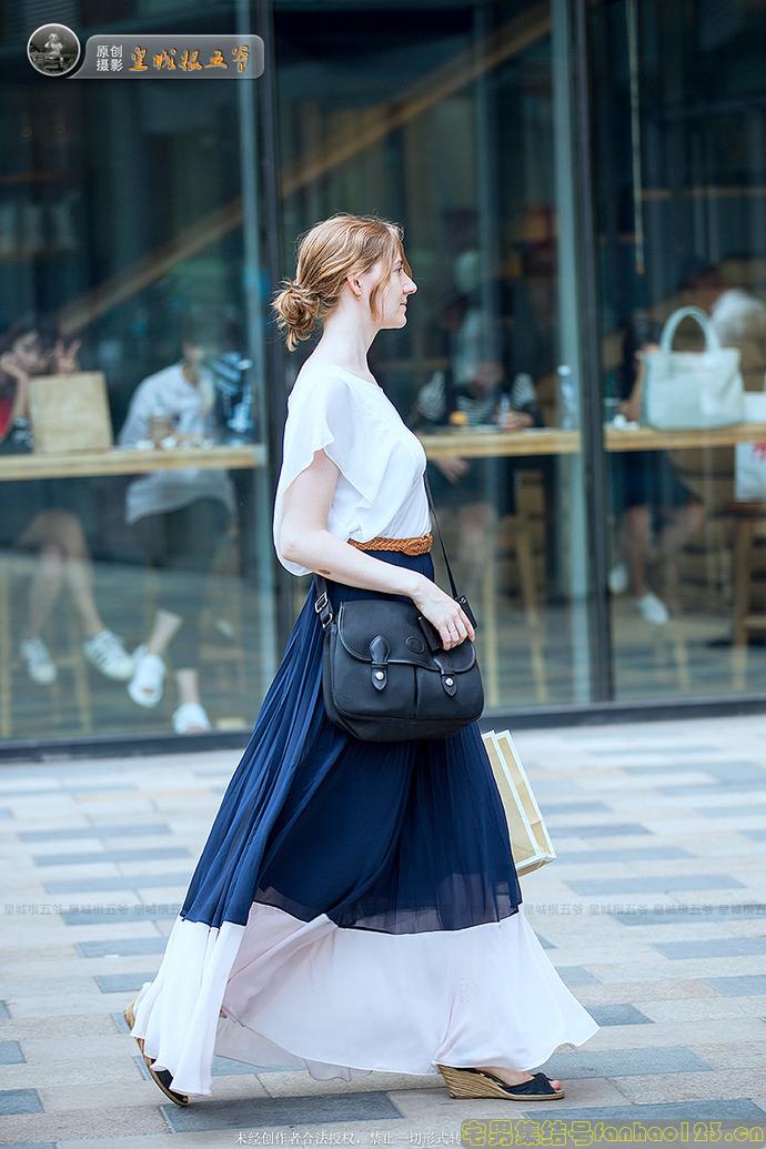 【美女图片】北京三里屯中外美女街拍与众不同最时尚