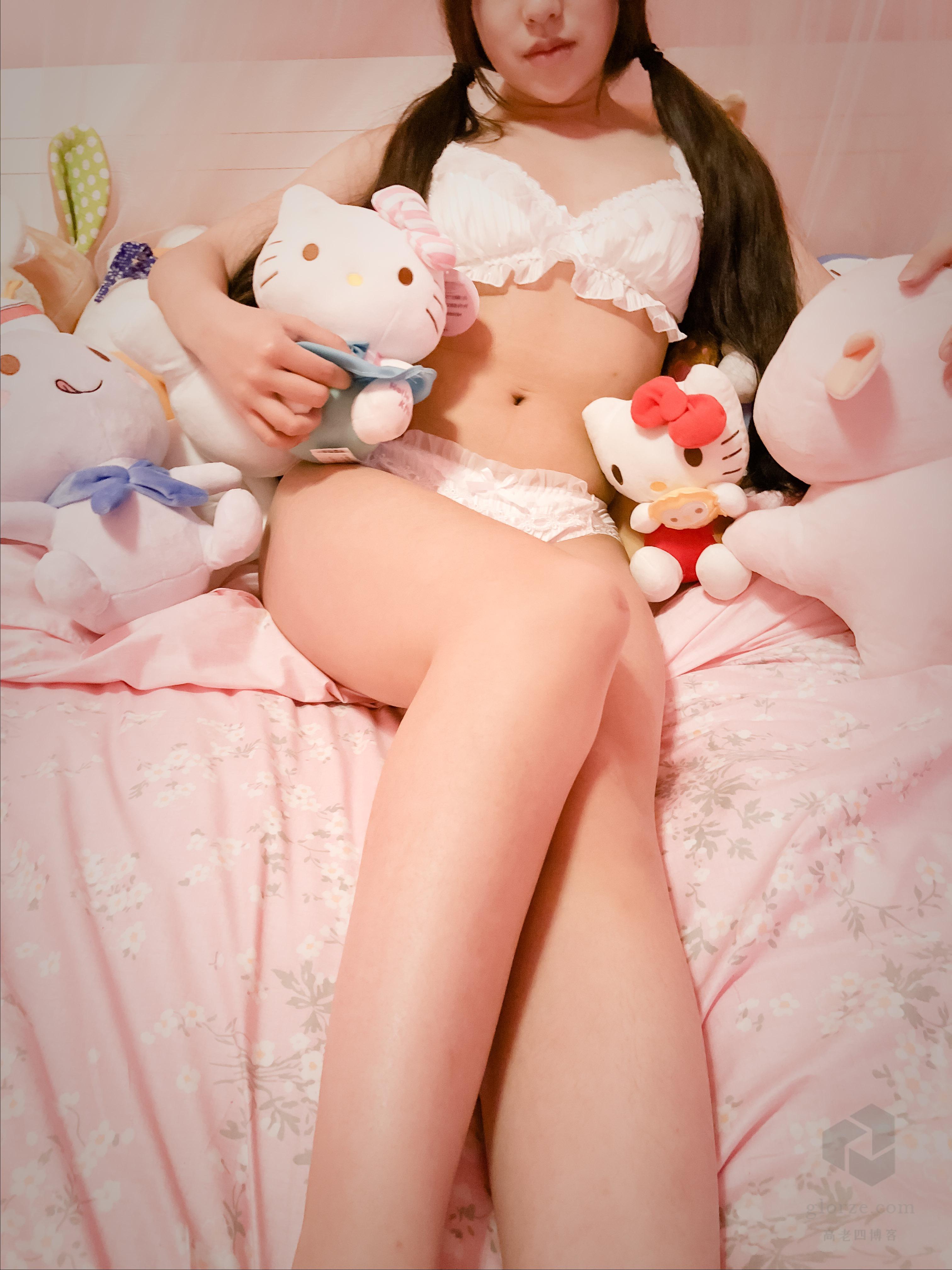 白色内衣、窗前粉红少女之「是你的猫仙啊」露脸两套[97P+127P]的图片-高老四博客 第2张